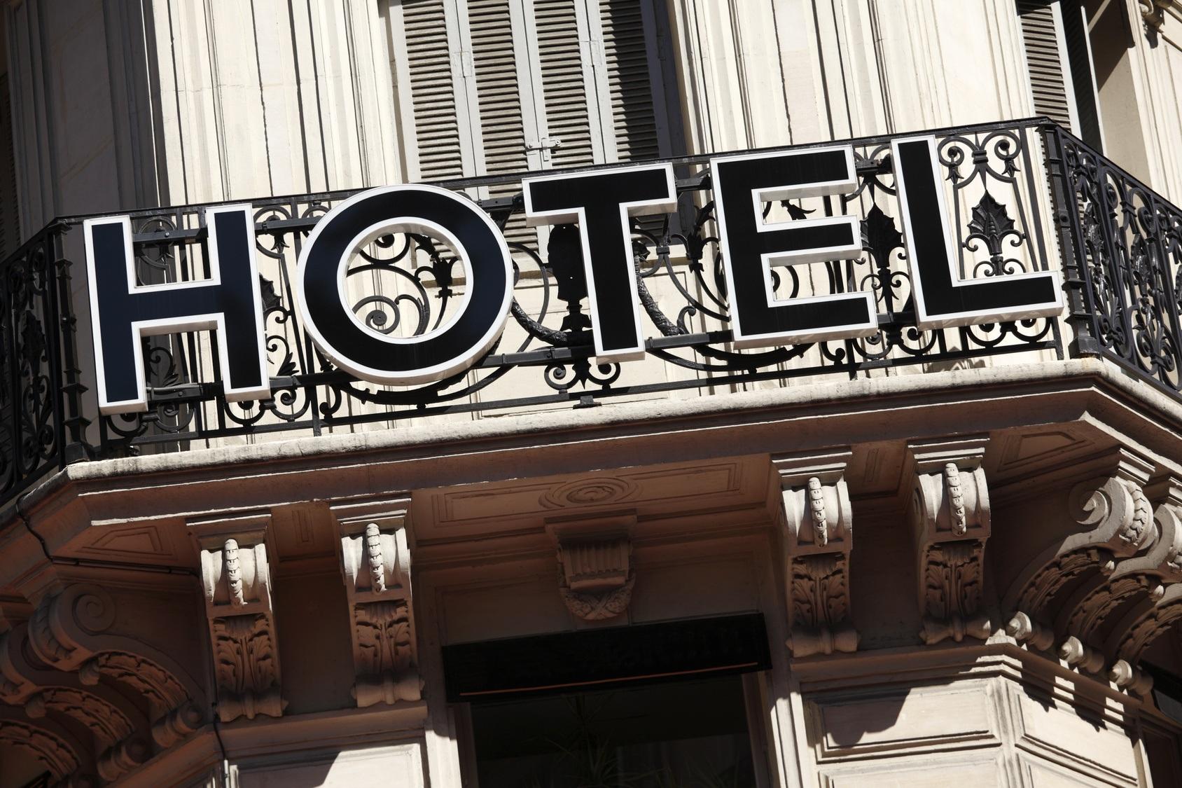 Cobblestone Paris Rentals to stay for vacation - Paris ...